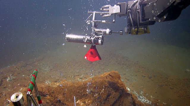 Kick 'em Jenny Volcano Tsunami Threat HT_hercules_underwater_jef_140514_16x9_992