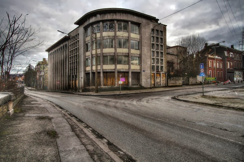 Ancien cinéma à Liège, Belgique RESOLU 31