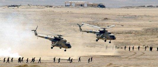 برتوكولات صفقة الغاز Egyptian_Mi-8_Hip_helicopters_after_unloading_troops
