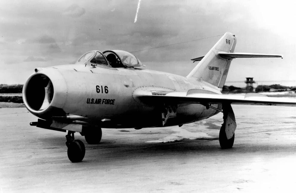 Une surprise nommée MiG-15 . MIG_17