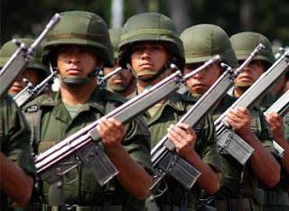 Los zetas dejan varias Narcomantas en Veracruz 370x270militares