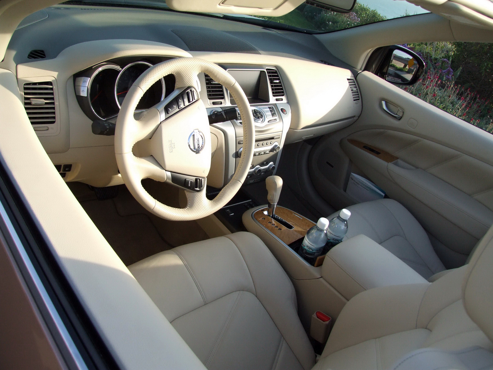 2010 - [Nissan] Murano CrossCabriolet - Page 4 2011-Nissan-Murano-CC-TD-595