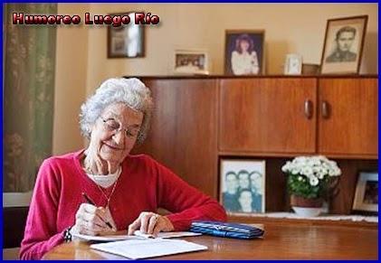 MI BLOC, QUE NO BLOG - Página 7 Mujer-mayor-escribiendo%2Bcopia