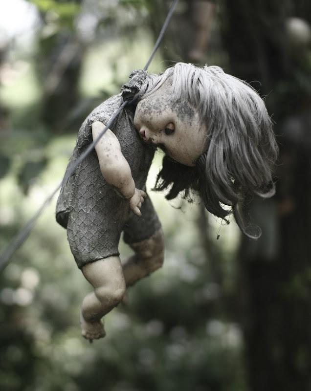 رعب على ارض الواقع في  جزيرة الدمي المشوهه  Island-of-dolls-6%5B11%5D