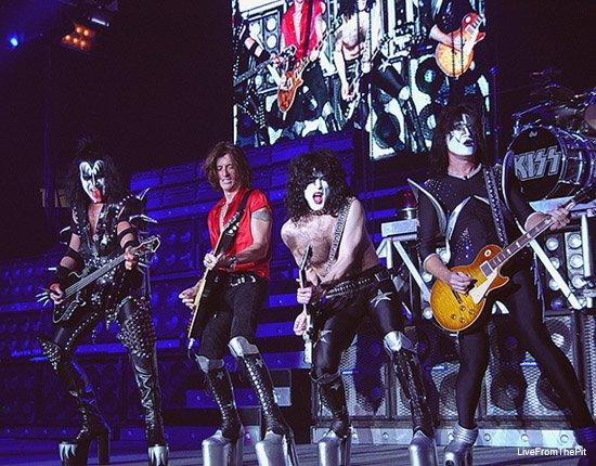 blablablas de Juin 2012..........! - Page 38 Kiss02