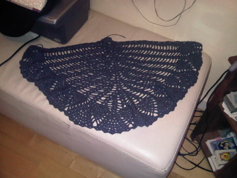 Blue Curaçao Shawl [Instruciones en Ingles y grafico] IMG00264-20121210-2216