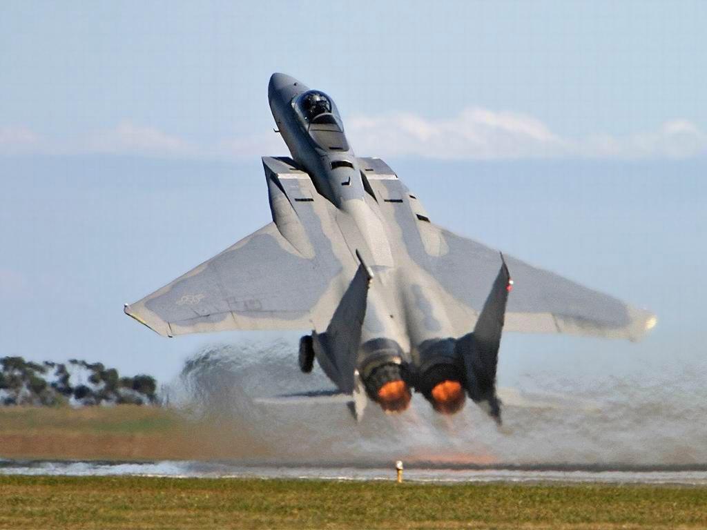 أحسن 10 طائرات بالعالم  F-15