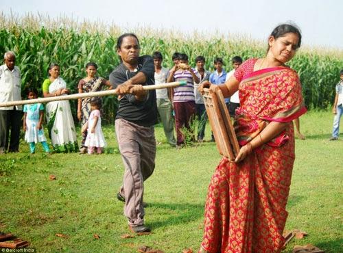 هندي وزوجته !!!! 1