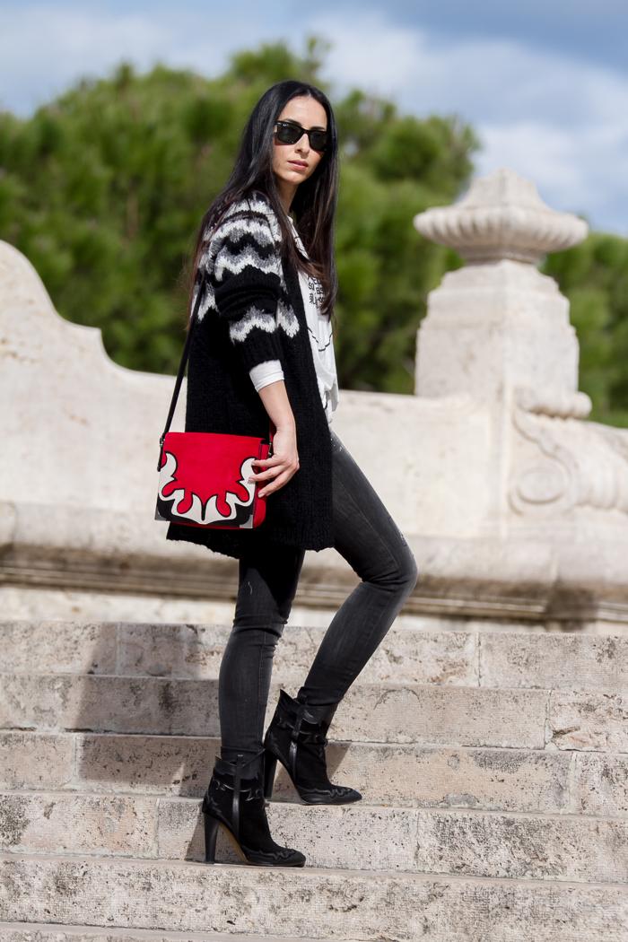 Looks diarios de bloggers y demás chicas que cuelgan en internet. - Página 19 IMG_7836-Red-suede-bag-Marant_style-ZARA-Spanish-fashion-bloggers-top