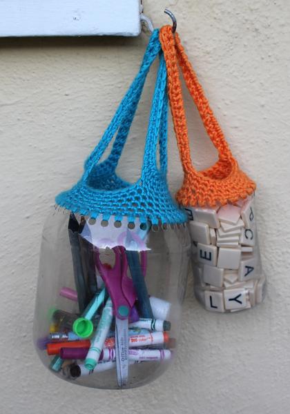 Вторая жизнь пластиковых бутылок Recyclingcrochetbaskets1