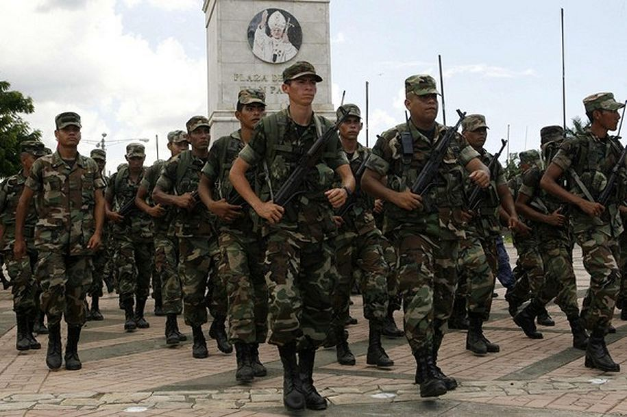 Armée du Nicaragua / Nicaraguan Armed Forces Soldier_military_combat_field_dress_uniforms_pattern_Nicaragua_Nicaraguan_army_007
