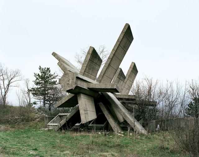 Construcciones abandonadas de la antigua URSS Spomenik_14