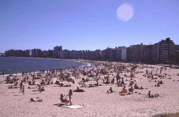 Urugvaj - Page 2 Uruguay-beach