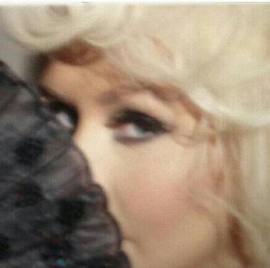 Christina Aguilera Grabando Nuevo Comercial y Ads para su Nueva Fragancia (24.Ene.2013) Proxy
