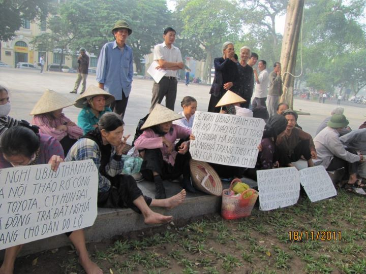 không - Việt Nam: Khi người cày không còn ruộng (RFI) 387925_248515965206704_100001449065165_722388_191466554_n