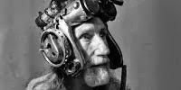 O Arthur Brown με το νέο του κράνος, το οποίο διαβάζει τις σκέψεις Arthurbrown3-484x242
