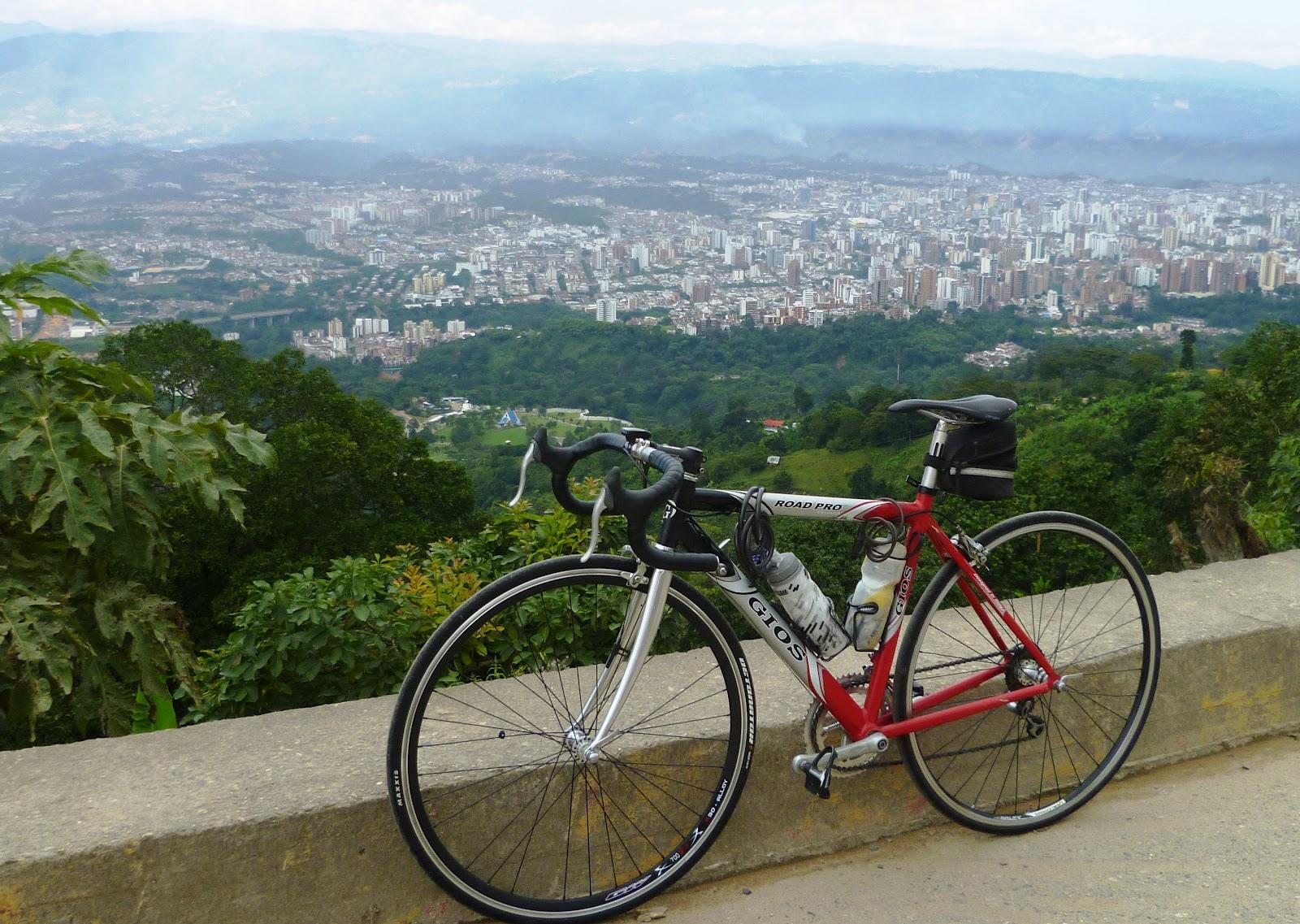 Mi pequeña Vuelta a Colombia.  14 etapas - 30 días - 1530km  P1010170