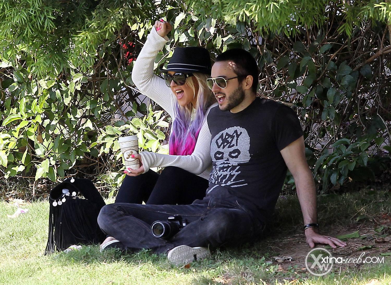 [Fotos] Christina, Max y Matt en Studio City (California) 7/10/2012 52