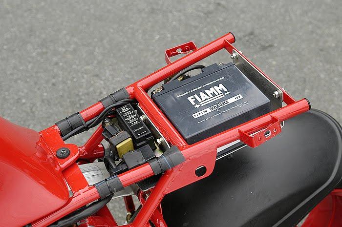Ducati Deux soupapes - Page 6 Ducati%2B750%2BTT1%2Bby%2BNaoe%2BMachinery%2B09