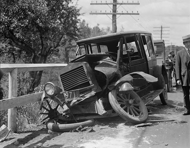 حوادث السيارات في عام 1930 أي قبل 80 سنة .. صور تكشف لأول مرة !؟ Supercoolpics_03_30082012193932