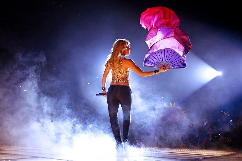 Galería » Apariciones, candids, conciertos... - Página 2 Shakira_arena9_393639S0
