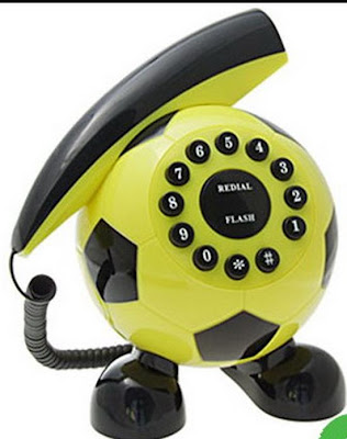இதுவரை நீங்கள் கண்டிராத அழகிய தொலைபேசிகள்  Unusual-telephones-11
