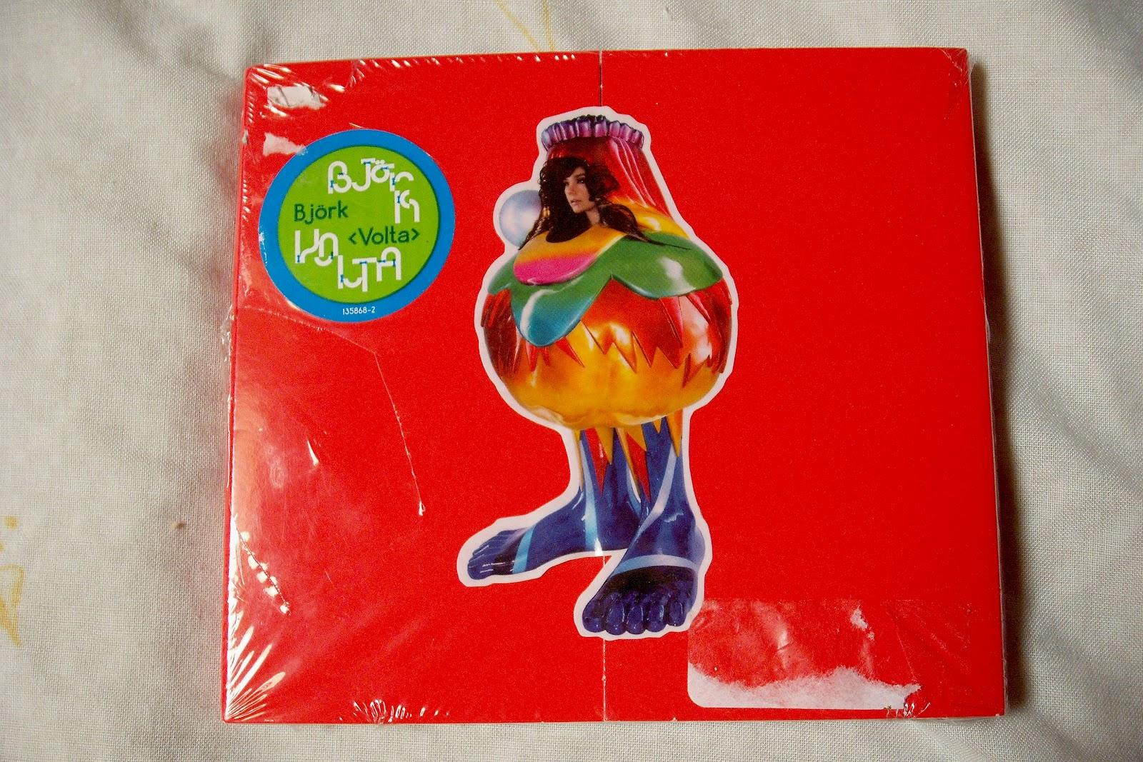 Björk >> Tu colección de Björk - Página 3 DSCF2081