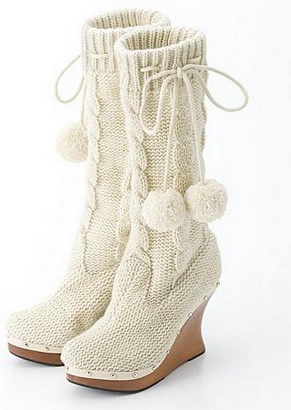 أفكار غريبة -## Smile-Campus-knitted-boots