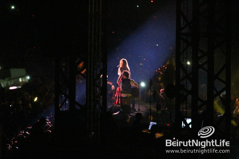 Galería » Apariciones, candids, conciertos... - Página 2 Shakira_Concert_Lebanon_Exclusive_Beirutnightlife060