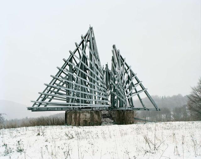 Construcciones abandonadas de la antigua URSS Spomenik_13