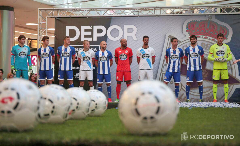 Hilo del Deportivo de la Coruña Deportivo-15-16-Kits%2B%25281%2529