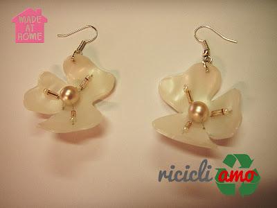 Bagnoschiuma ed orecchini Fiore002