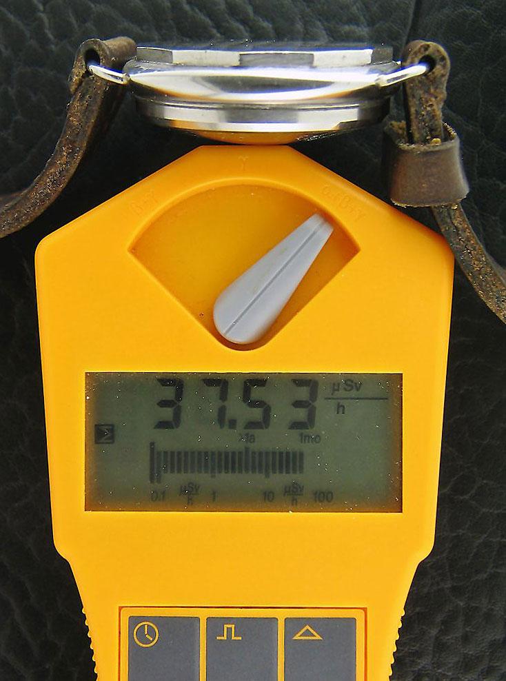 Mesures radio-activité de montres vintages Giger-Counter-Panerai