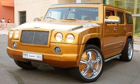 Trovate bizzarre delle marche automobilistiche Gold-hummer-h2-bentley-dubai-01