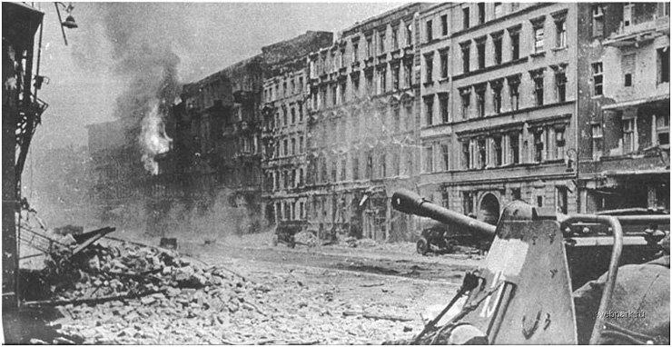 BERLIN. 1945 22