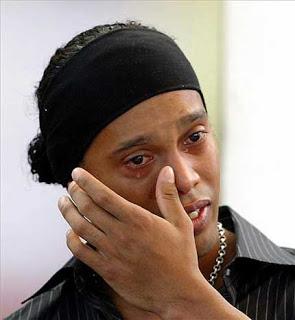 Despedida al foro Ronaldinho_llorando