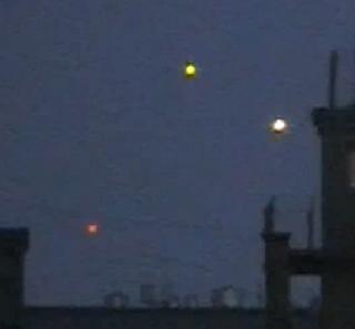 2010: Le 10/04 - OVNI multiples au dessus de Moscou  Moscow-UFO