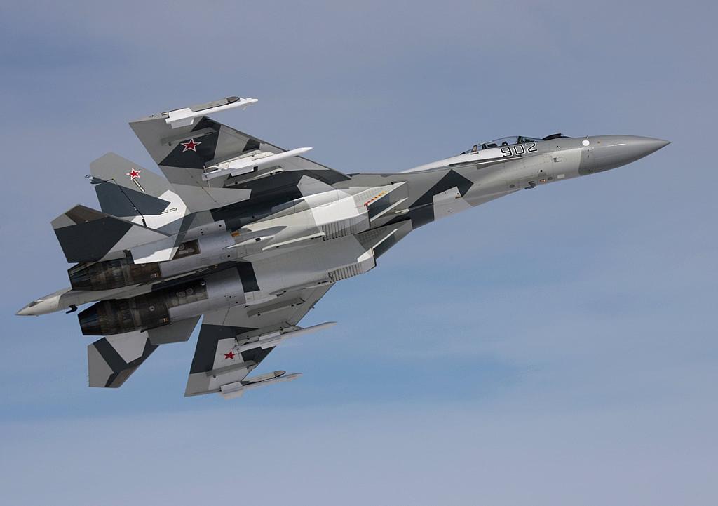 [نقاش] ما هو السلاح الذي تتمنى ان تراه لدى جيش بلدك AIR_SU-35_Armed_AAMs_Test_Flight_lg