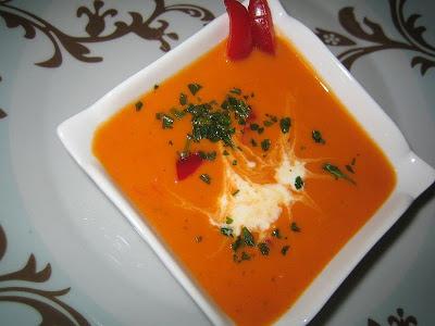 Soupe poivrons rouges et B.... aux fines herbes!! 005