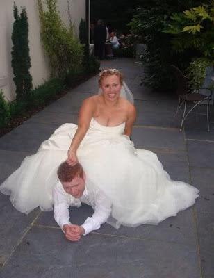 عرسان اخر زمن Funny_wedding_pictures_16