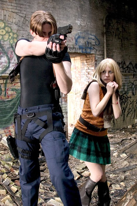 Cosplay Resident Evil Leon_and_Ashley_from_RE4_by_pixiekitty