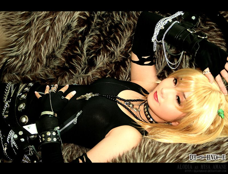 Cosplay Death Note DN_Cosplay__Misa__s_Charm_by_blackmage9