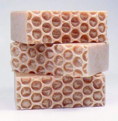 இவையெல்லாம் சோப் என்றால் நீங்கள் நம்புவீர்களா ?? Funny-soap-creative-11
