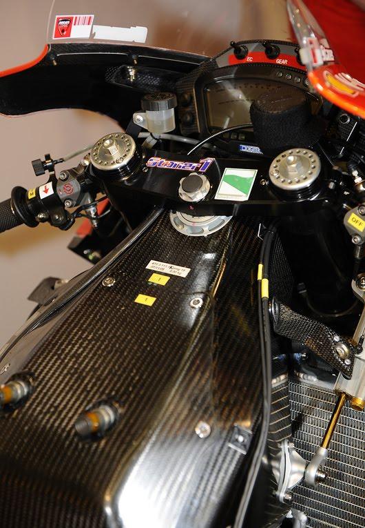 Machines de courses ( Race bikes ) - Page 5 PLN.DucatiGP09.01