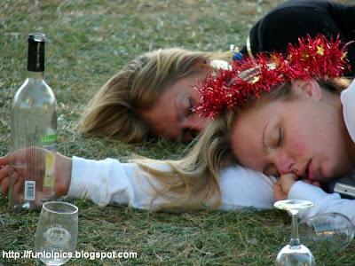 Bolje biti pijan nego star - pijanstvo i alkohol u fotografiji! :D Passed-out-drunk-girl-2