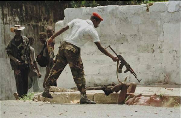 Imagenes que impactaron nuestra historia contemporanea. (Nacional e Internacional) Shooting_civil_war_Liberia_op_600x390