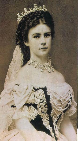 Sisi: Myth and History Erzsebet_kiralyne_photo_1867