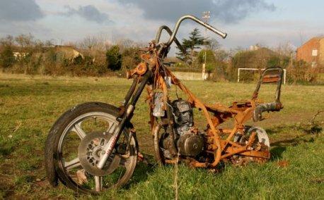 Restauración de mi Rieju RR - 1996 Rusty_motorcycle