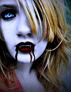 Y este me recuerda a.. Rubia_vampira