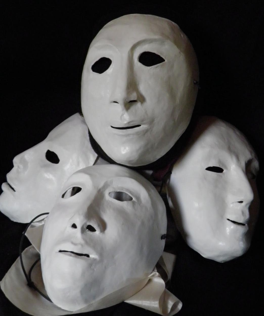 Masques dans l'art PA190245